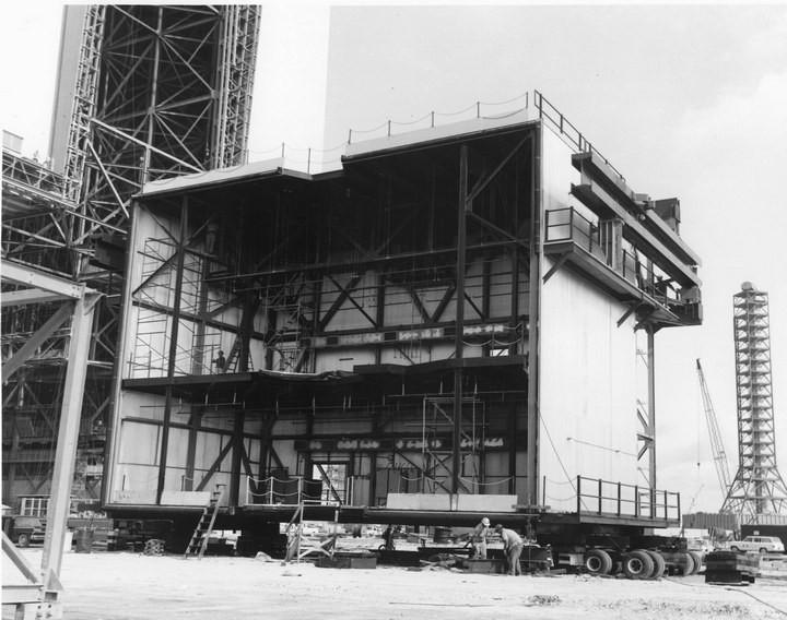 Самое большое одноэтажное здание в мире NASA Vehicle Assembly Building (8)