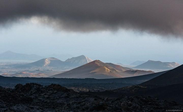 Лавовый поток вулкана Толбачик, гора Камень и Ключевская сопка (9)