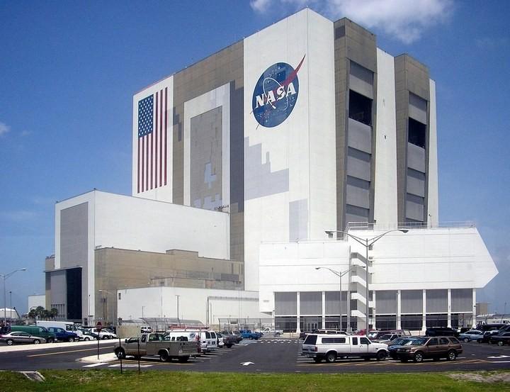 Самое большое одноэтажное здание в мире NASA Vehicle Assembly Building (16)