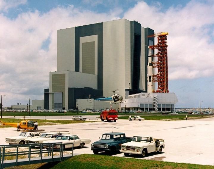 Самое большое одноэтажное здание в мире NASA Vehicle Assembly Building (18)