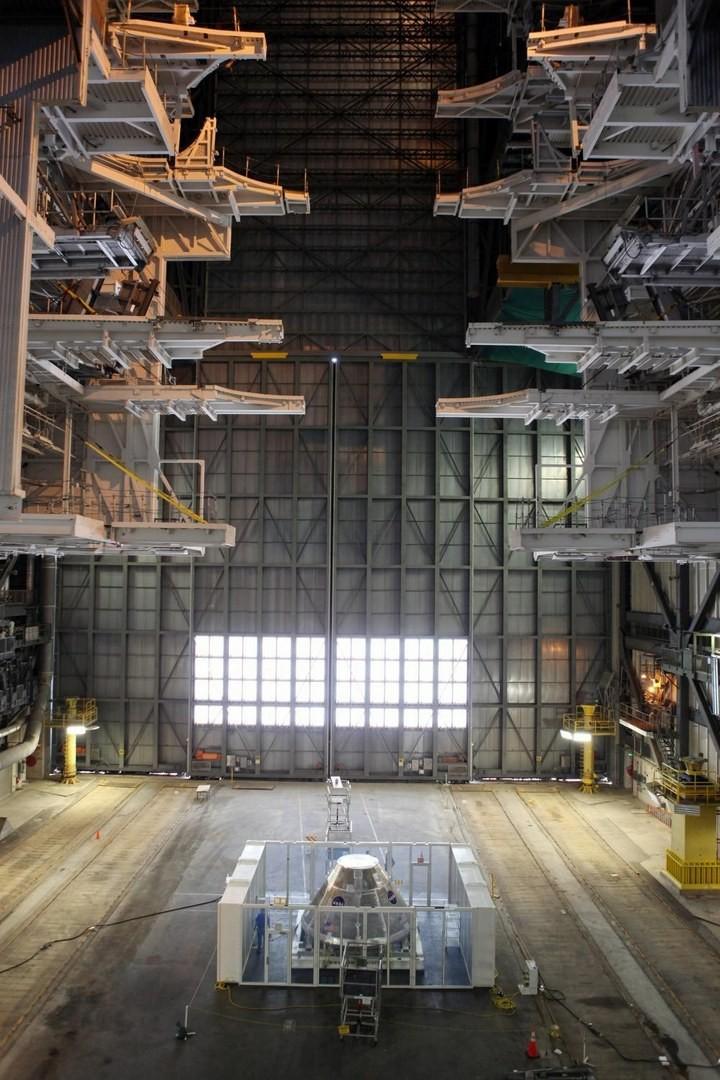 Самое большое одноэтажное здание в мире NASA Vehicle Assembly Building (20)