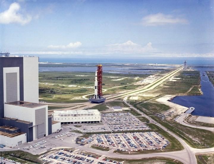 Самое большое одноэтажное здание в мире NASA Vehicle Assembly Building (25)
