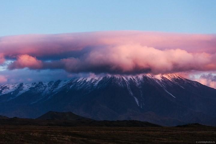 Лавовый поток вулкана Толбачик, гора Камень и Ключевская сопка (37)