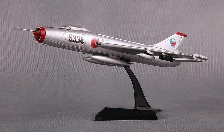 ГэДээРовские сборные модели самолётов (47)