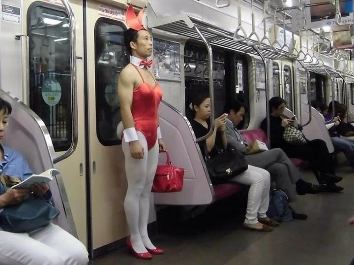 Внезапно. Токийское метро