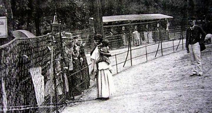 Человеческие зоопарки в Европе (9)