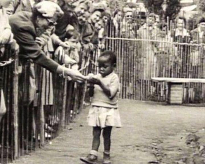 Человеческие зоопарки в Европе (8)