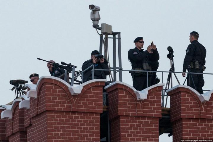 Снайперы на крышах Кремля (1)