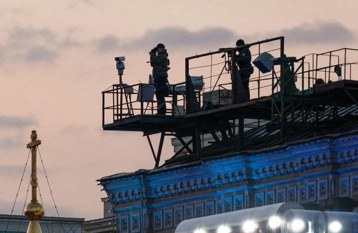 Снайперы на крышах Кремля (3)