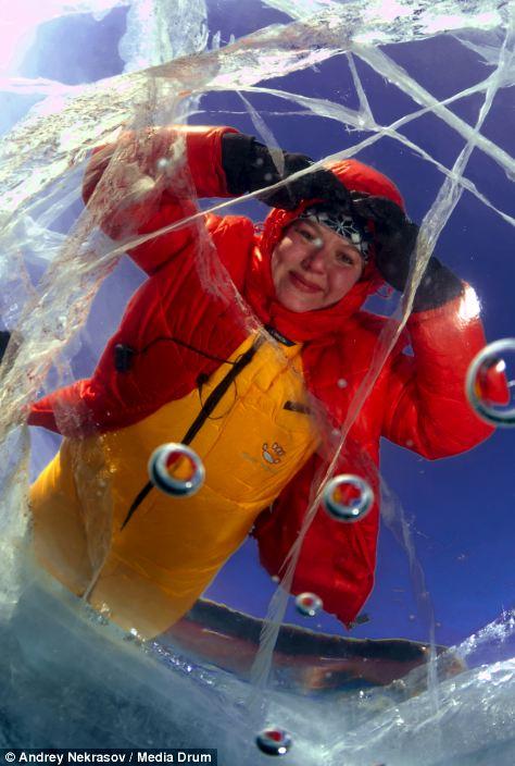 Погружение под лед озера Байкал (10)