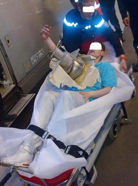 Попытка достать упавший в унитаз мобильник закончилась на хирургической койке (4)
