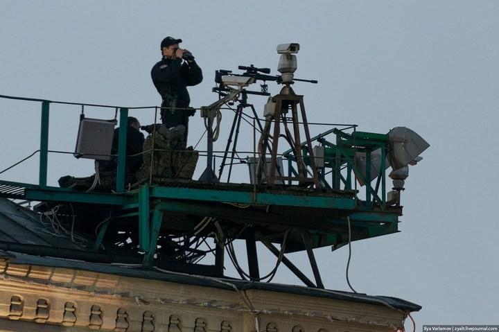 Снайперы на крышах Кремля (4)