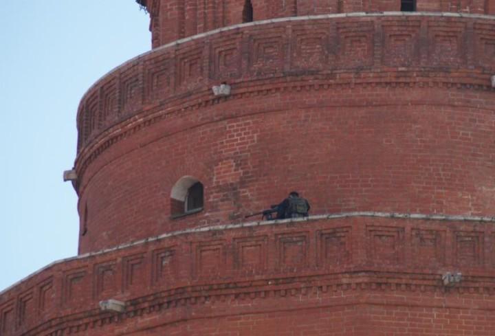 Снайперы на крышах Кремля (5)