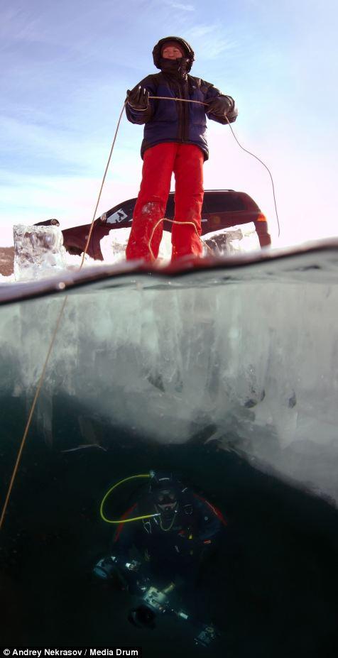 Погружение под лед озера Байкал (8)