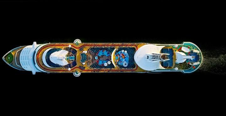 Круизные лайнеры, вид сверху (14)