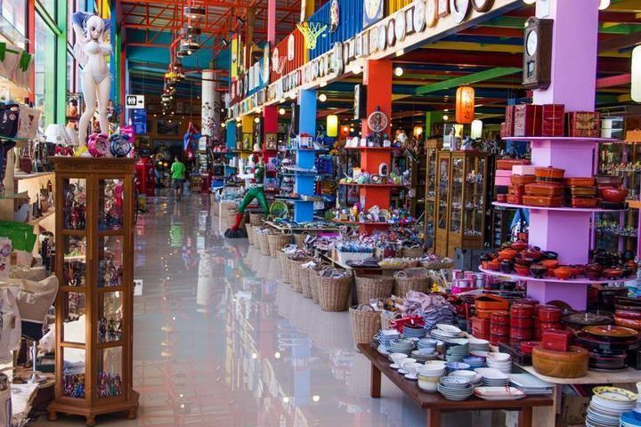 Необычный магазин в Паттайе (3)