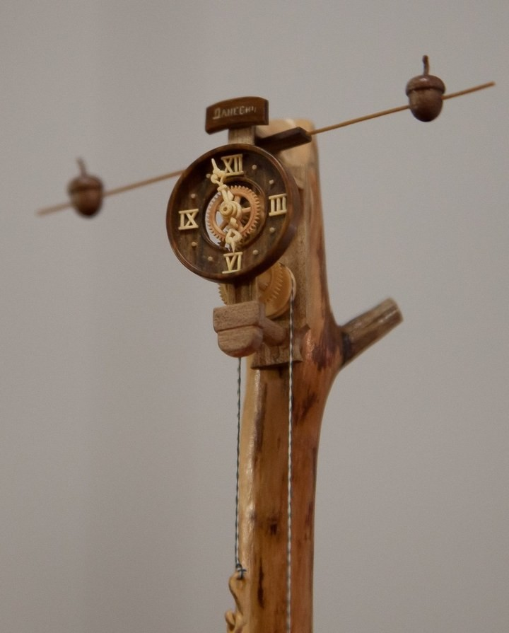 Деревянные часы Валерия Даневича (4)