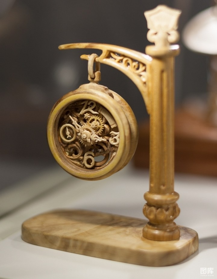 Деревянные часы Валерия Даневича (6)