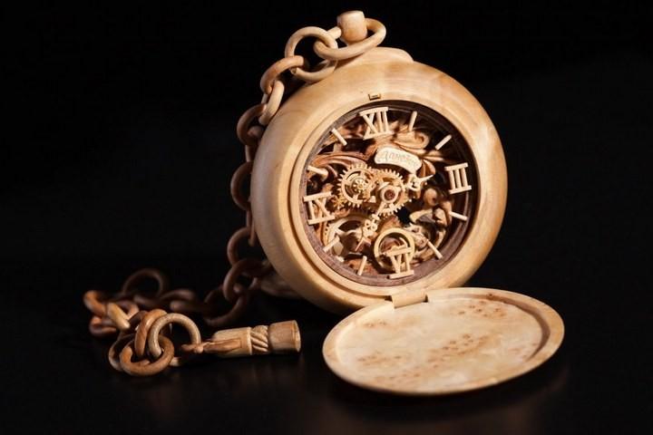 Деревянные часы Валерия Даневича (9)