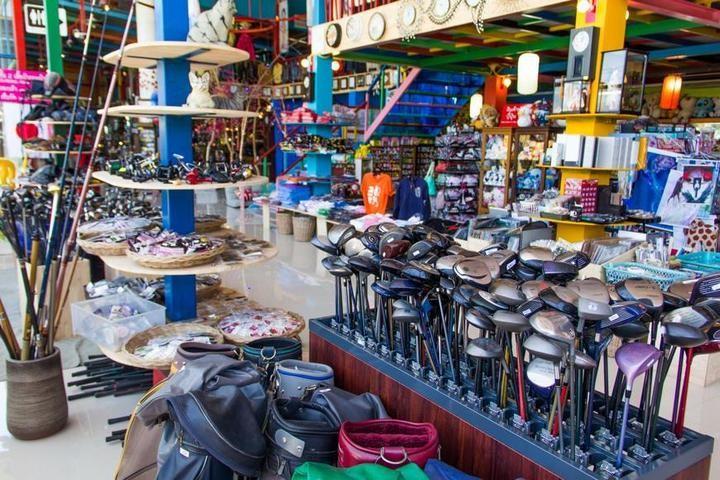 Необычный магазин в Паттайе (10)