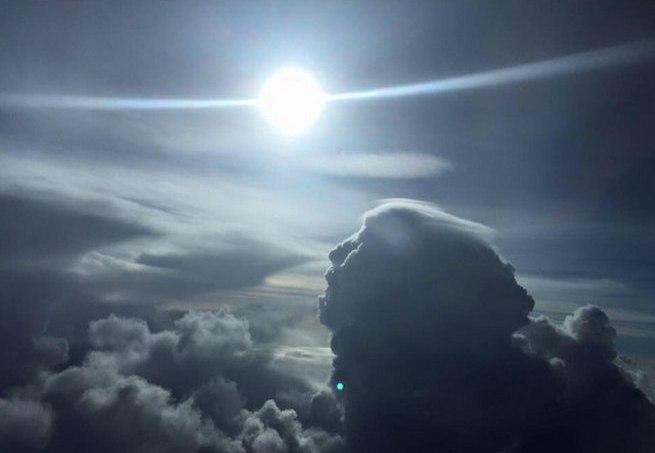 Интересный кадр сделанный во время полета на самолете