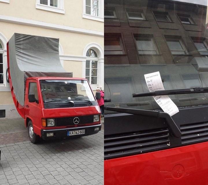 В германском городке Карлсруэ был оштрафован памятник (2)