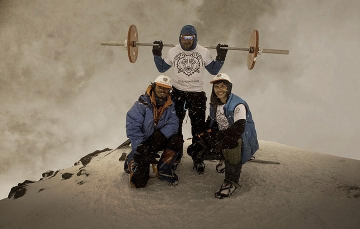 Андрей Родичев совершил восхождение на Эльбрус со штангой весом 75 кг (4)