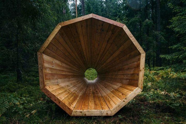 Деревянные приспособления для прослушивания звуков леса (2)