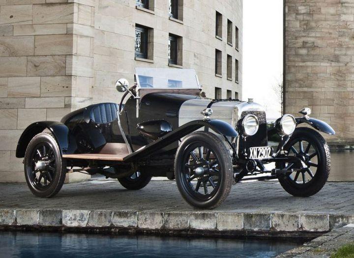 Первые автомобили в истории крупнейших современных брендов (3)
