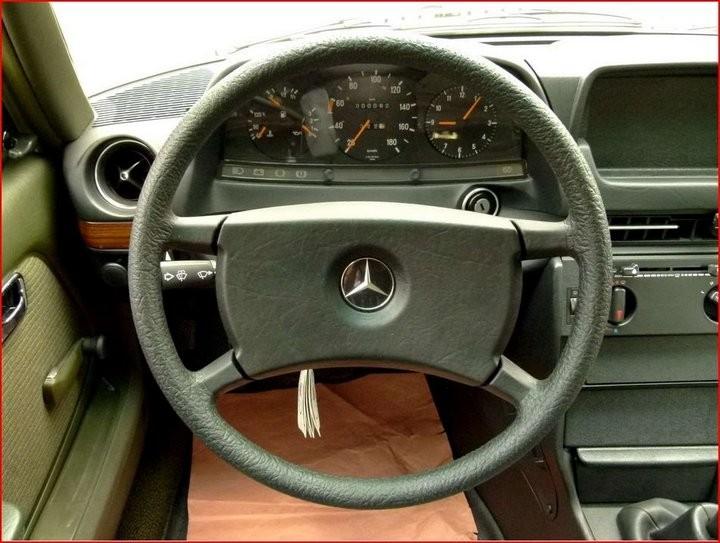 Абсолютно новый, законсервированный Mercedes-Benz E-class W123 1984 года выпуска... (5)