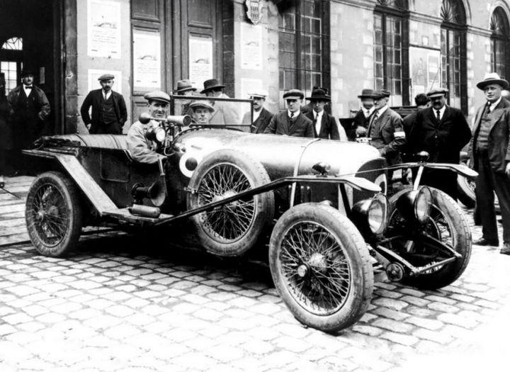 Первые автомобили в истории крупнейших современных брендов (5)