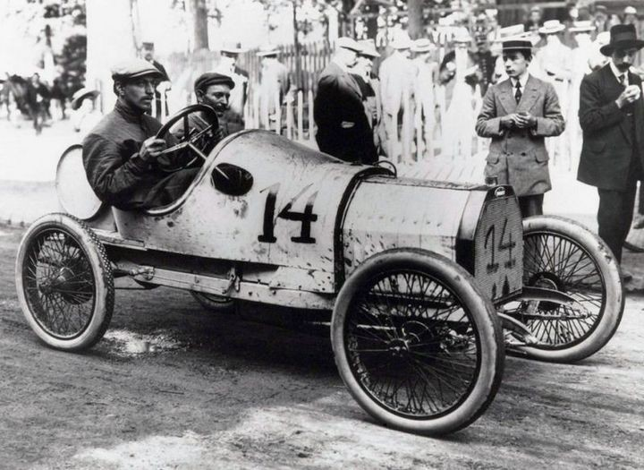Первые автомобили в истории крупнейших современных брендов (7)