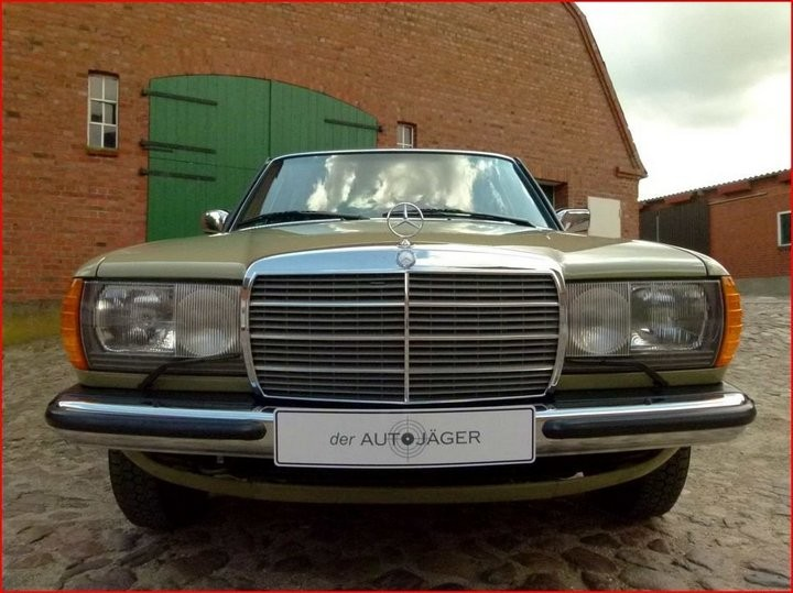 Абсолютно новый, законсервированный Mercedes-Benz E-class W123 1984 года выпуска... (11)