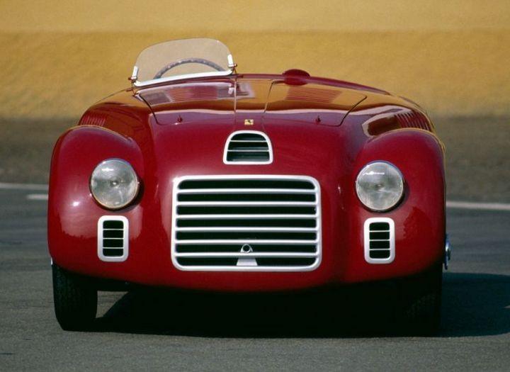 Первые автомобили в истории крупнейших современных брендов (12)