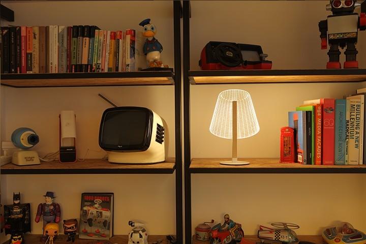 Удивительная плоская лампа дающая иллюзию объема (10)