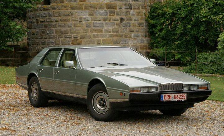 Футуристический интерьер Aston Martin Lagonda (1)