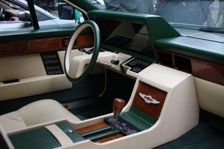 Футуристический интерьер Aston Martin Lagonda (2)
