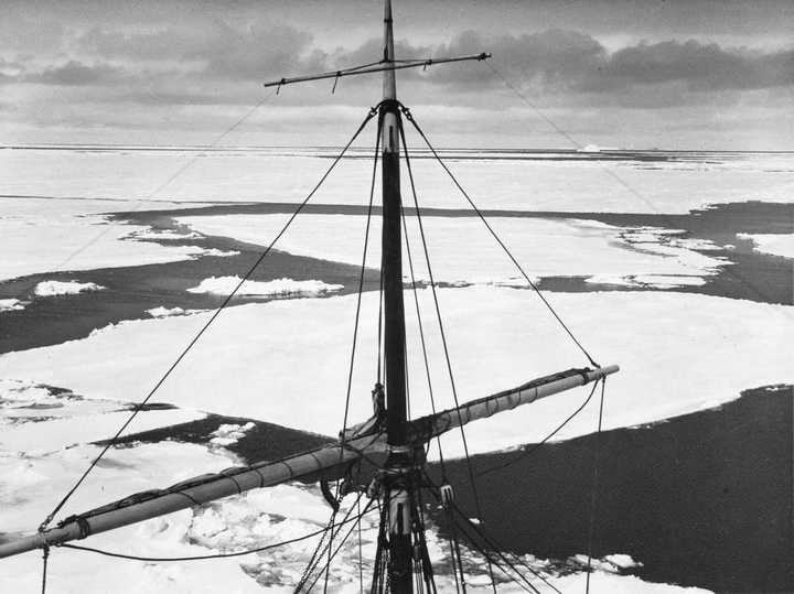 «Эндьюранс», или История выживания 28 человек среди льдов Антарктики (6)