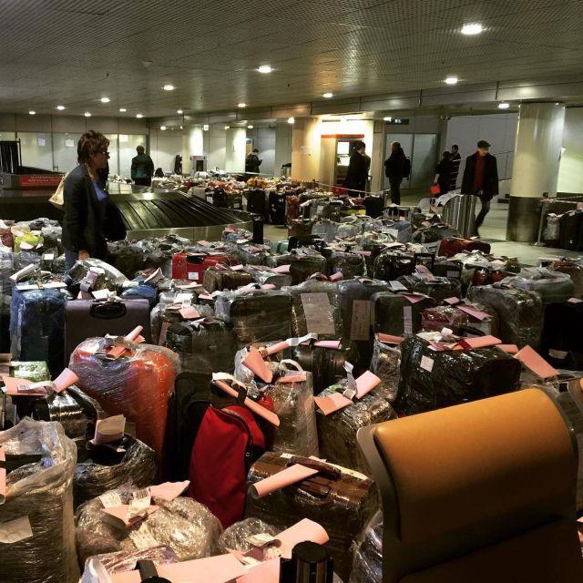 Чемоданный коллапс в российских аэропортах (1)
