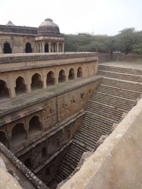 Удивительные ступенчатые колодцы Индии (3)