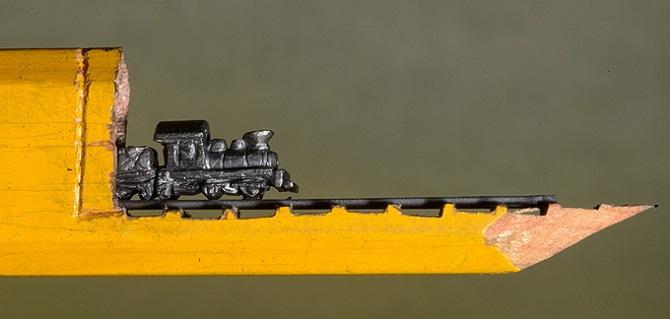 Миниатюра. Поезд из карандаша (2)