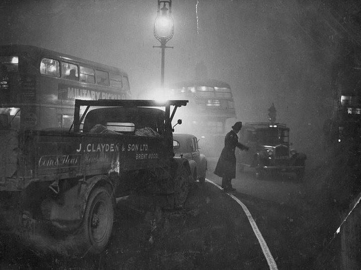 Туман, спустившийся на Лондон 5 декабря 1952, года убил 12 000 человек (2)