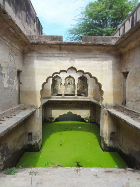 Удивительные ступенчатые колодцы Индии (12)