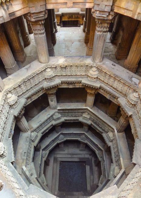 Удивительные ступенчатые колодцы Индии (11)