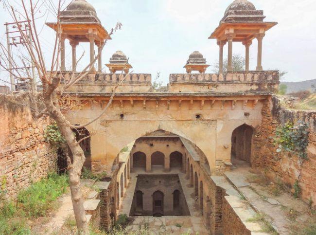 Удивительные ступенчатые колодцы Индии (10)