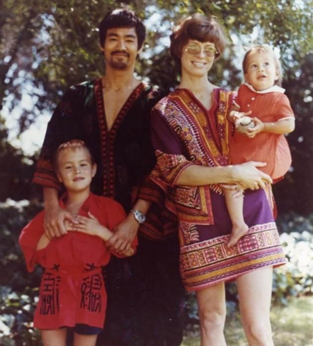 Семейные фотографии из архива Брюса Ли (25)