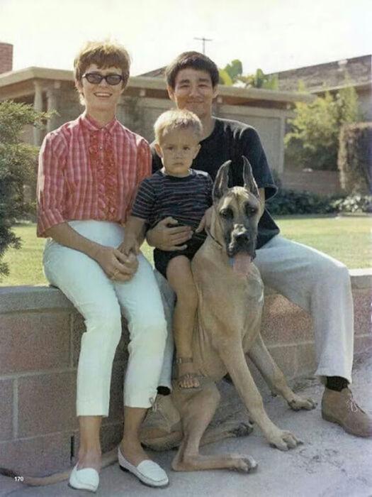 Семейные фотографии из архива Брюса Ли (17)