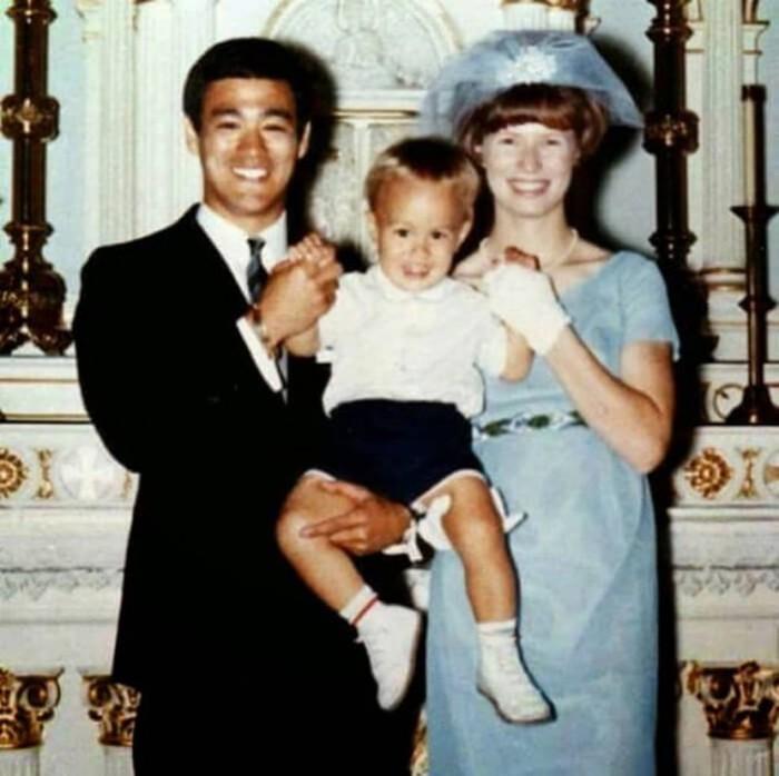 Семейные фотографии из архива Брюса Ли (14)