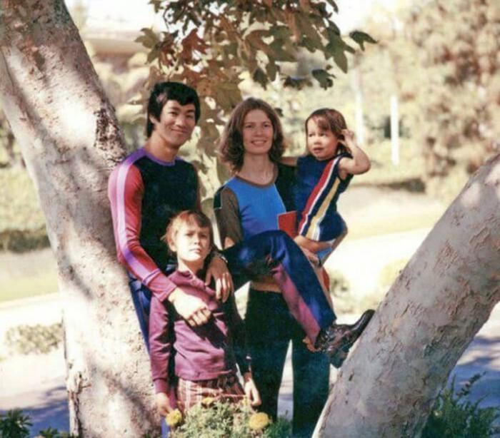 Семейные фотографии из архива Брюса Ли (10)