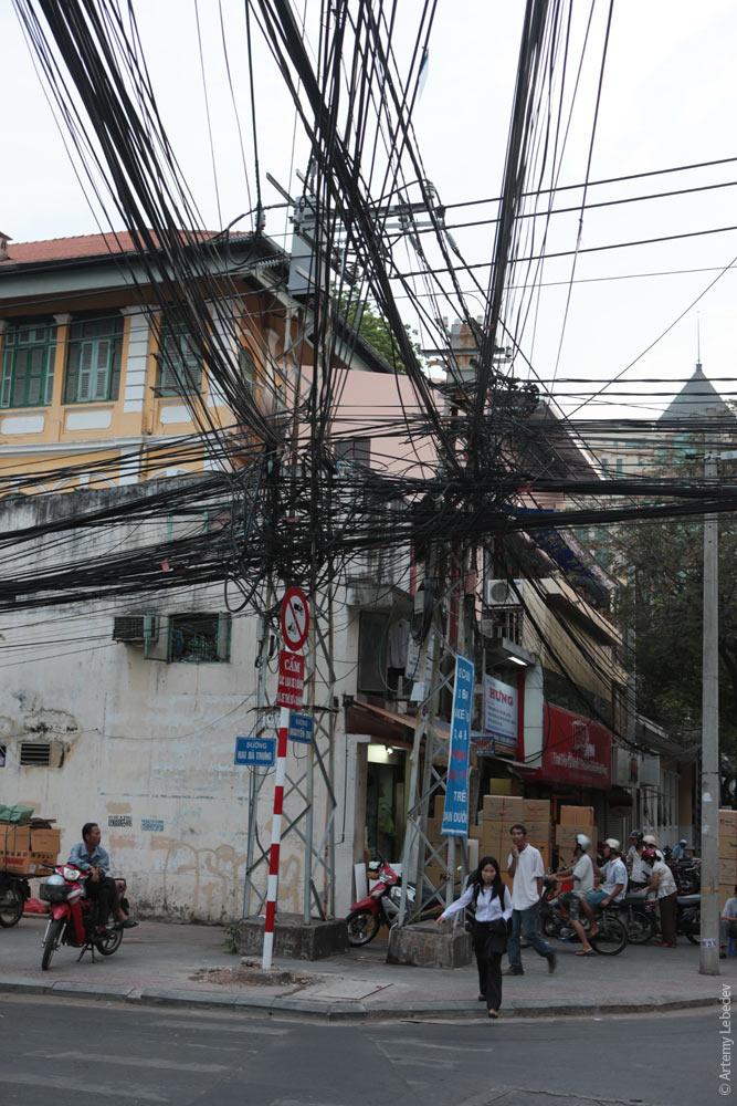 Вьетнамские электрики с прокладкой проводов явно не заморачиваются (5)